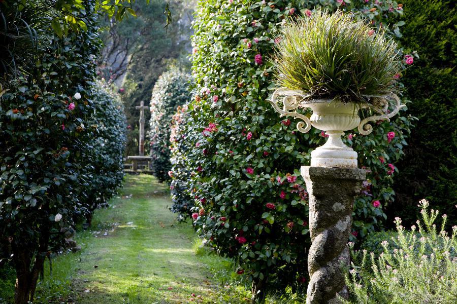 Jardines pazo quinteiro da cruz esencia de galicia for Jardines galicia